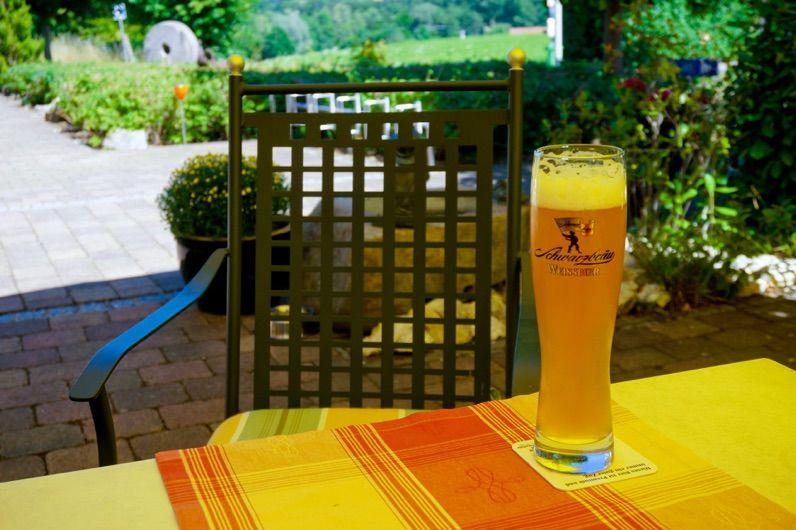 Beispiel: Frisch gezapftes Bier, Foto: Landgasthof Rücklenmühle.