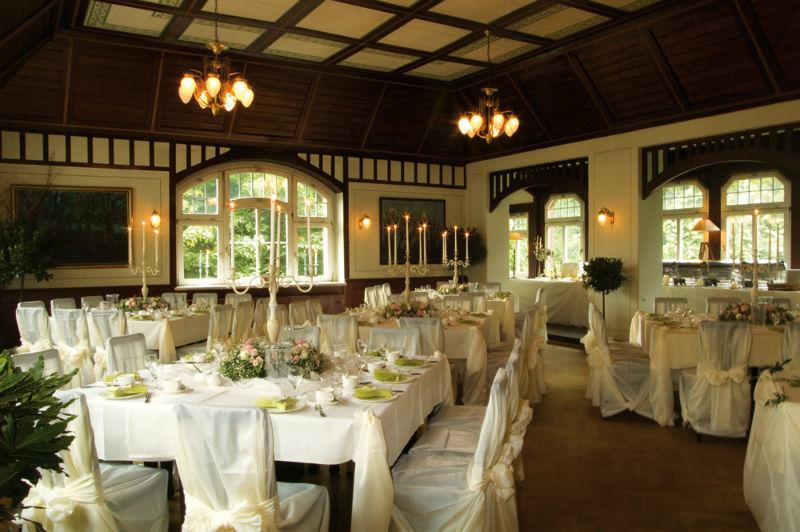 Beispiel: Hochzeitstafel oberer Saal, Foto: Fischhaus.