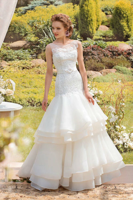 Beispiel: Traumhafte Brautmode, Foto: Verinas.