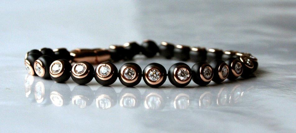 Beispiel: Wunderschöne Armbänder, Foto: Juwelier Theobald.