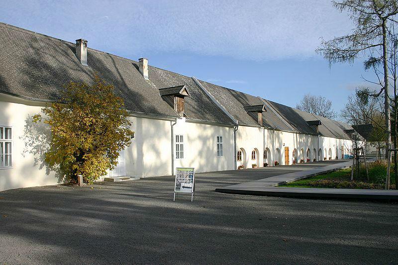 Beispiel: Schlossanlage, Foto: Schloss Lackenbach.