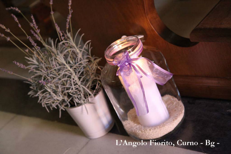 L'angolo fiorito - Allestimento con piante e lanterne #Fiorista #matrimonio #Bergamo