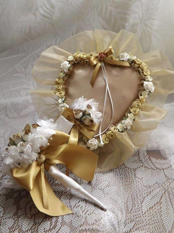 Corazón para anillos y ramos de novia