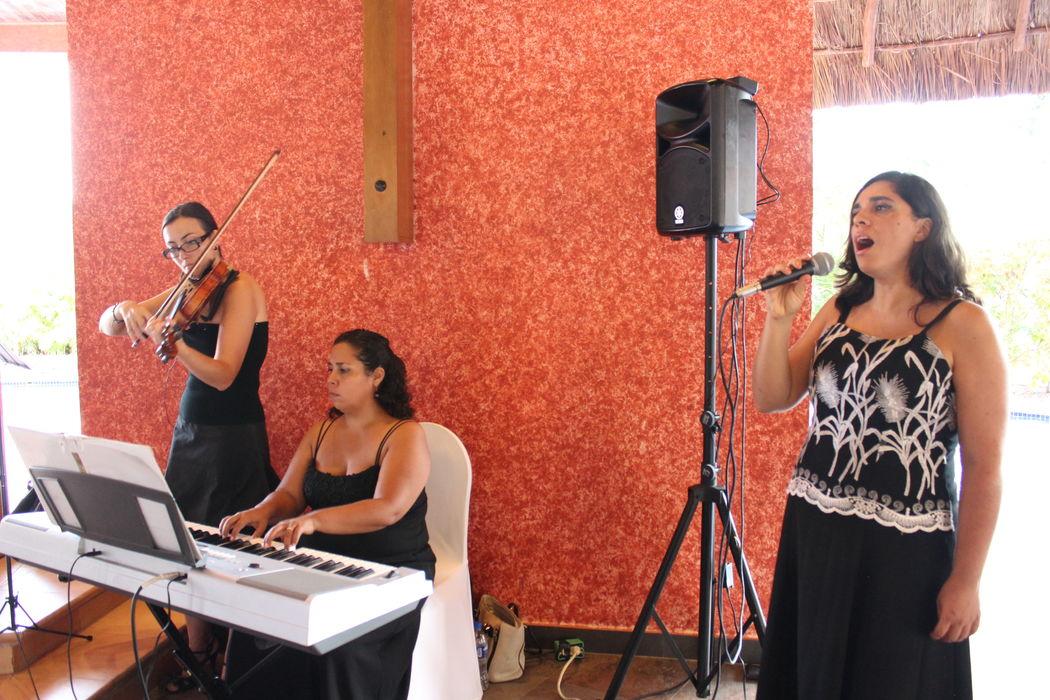 Piano, Violín y Soprano