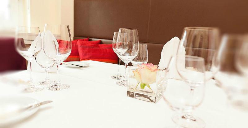 Beispiel: Tischdekoration, Foto: Dobler's Restaurant.