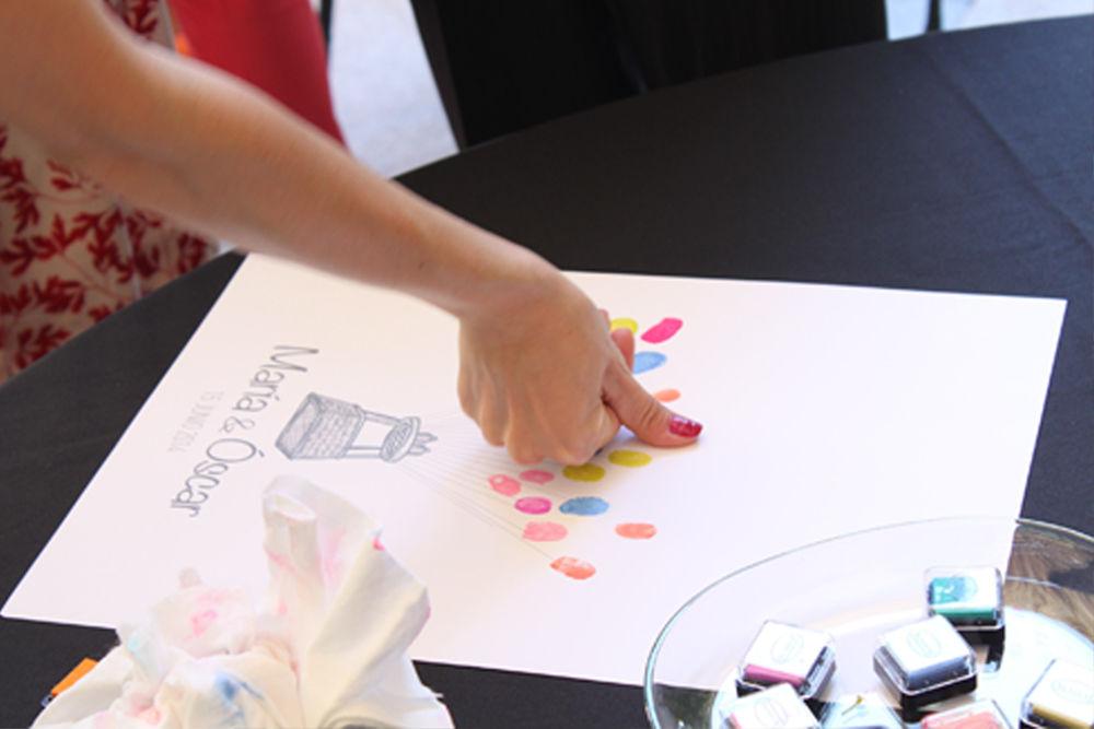 We Are. - Wedding planner. Detalle de Mesa de firmas/huellas en boda. Diseño y Organización.