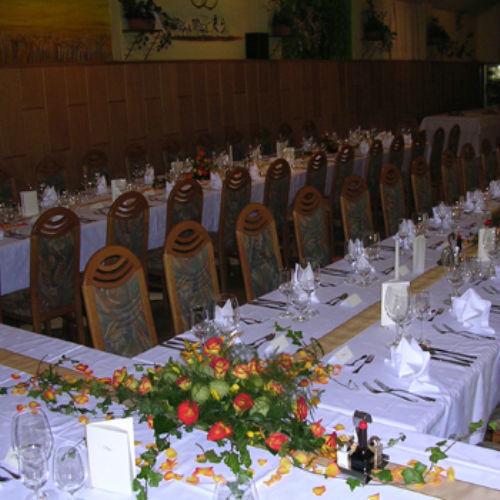 Beispiel: Blumen für Ihre Hochzeitstafel, Foto: Blumen Beilner.