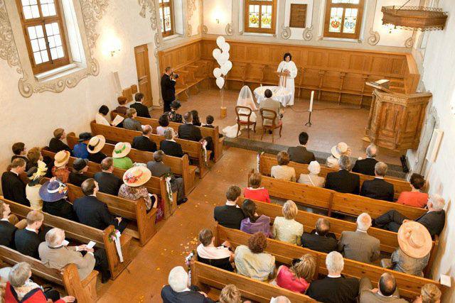 Beispiel: Freie Theologin bei der Trauung, Foto: People Vision.