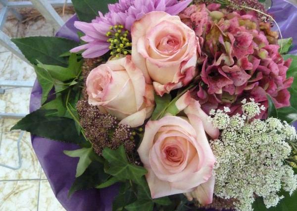 Beispiel: Blumenstrauss, Foto: Blumen Christl.