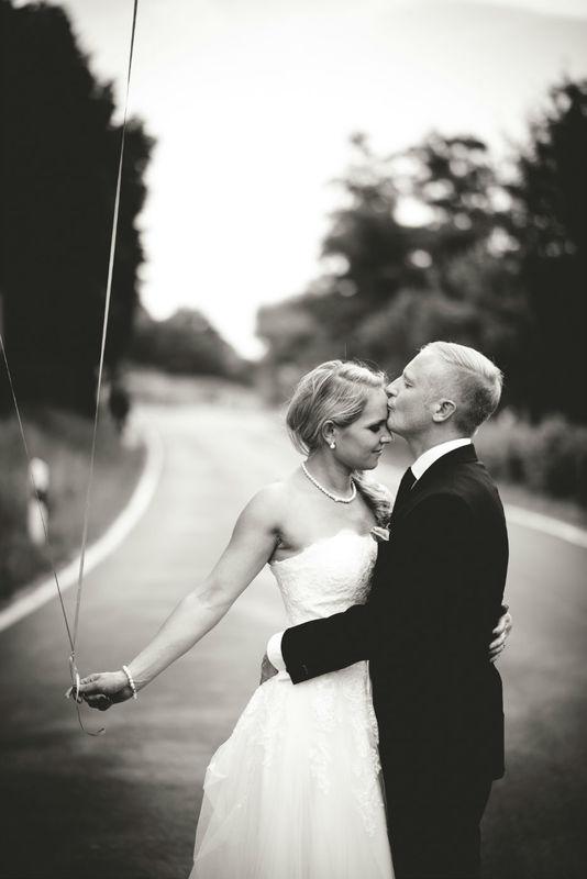 Beispiel: Hochzeitsfotos in Schwarz-Weiß, Foto: Max Barbera  Hochzeitsfotograf.