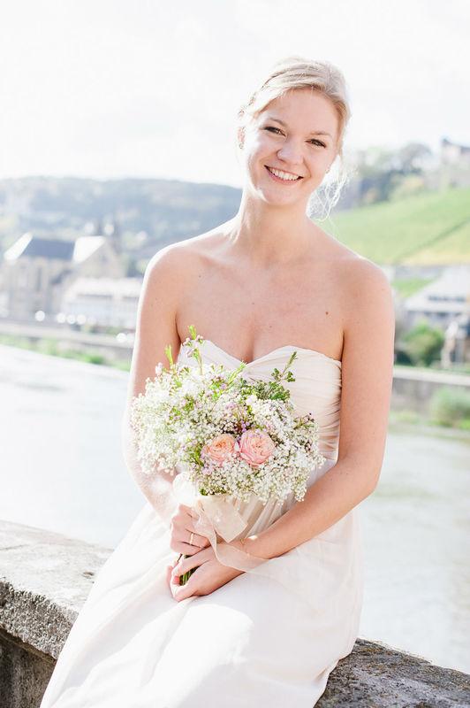 Beispiel: Portrait der Braut, Foto: Nadine Frech Fotografie.