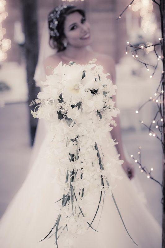 yugo estilo cascada Wedding Planner: Lina Vargas Producción Decoración : Lica Creativa  fotografía: Maria Luisa Restrepo