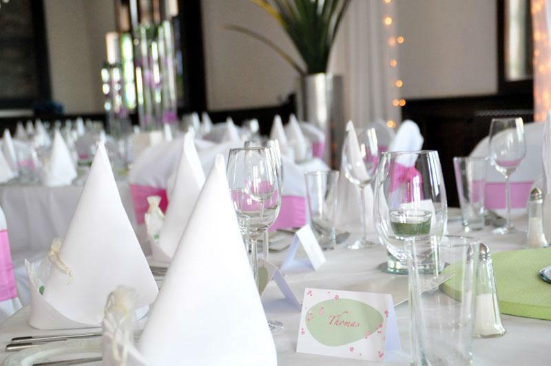 Beispiel: Tischdekoration, Foto: Burgrestaurant Burg Gleiberg.