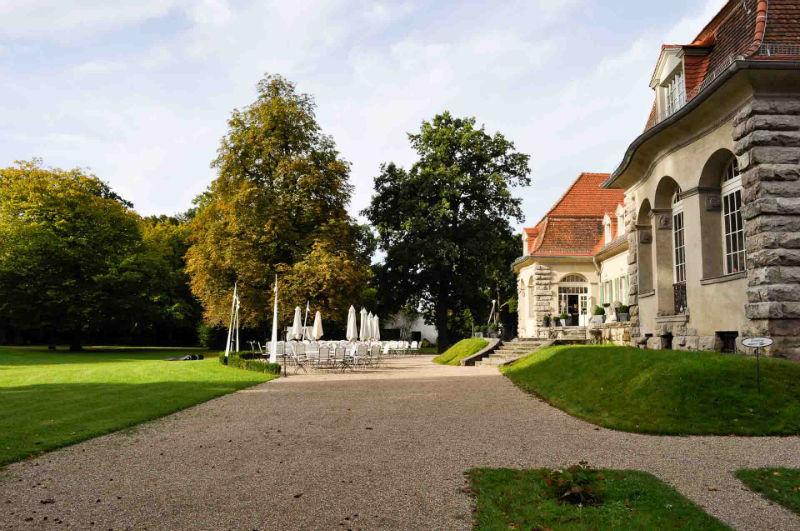 Beispiel: Schloss mit Terrasse, Foto: Schloss Kartzow.