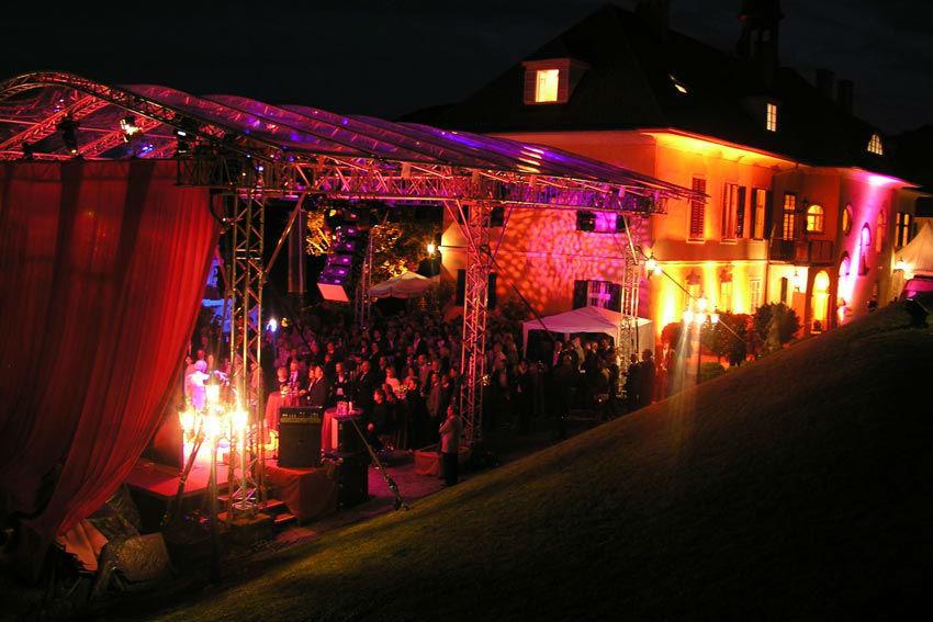Beispiel: Stimmungsvolle Beleuchtung, Foto: Schloss St. Veit.