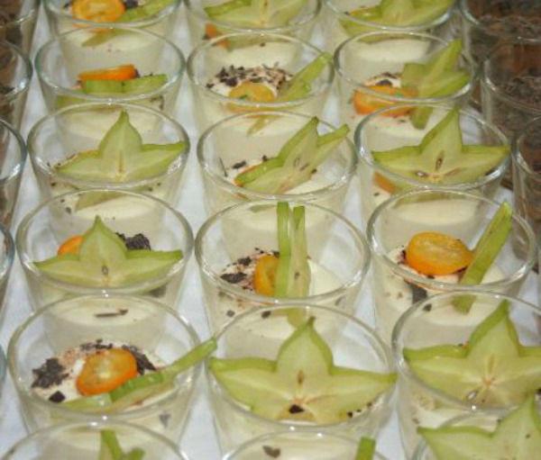 Beispiel: Nachtisch in Verrinen, Foto: Hoffmann Gastronomie & Catering.