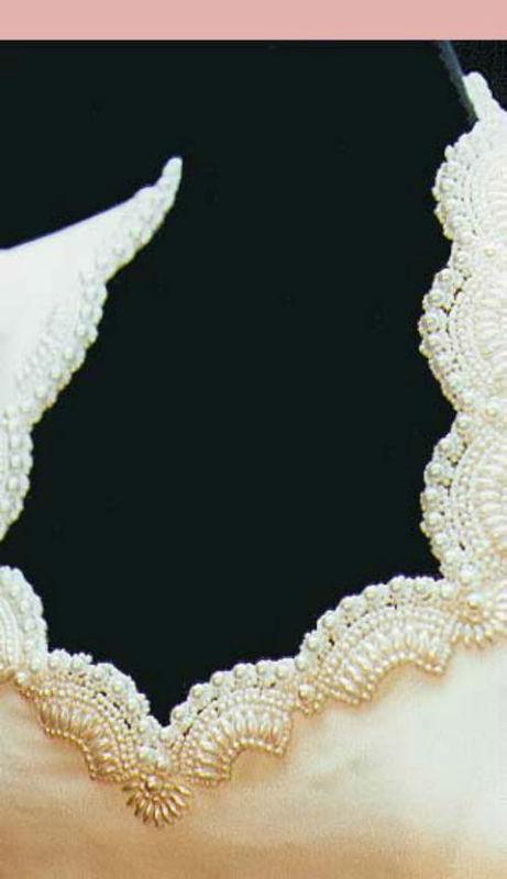 Beispiel: Brautkleid mit Perlen versehen, Foto: Suenne Lindenthal - Ihre Maßschneiderei.