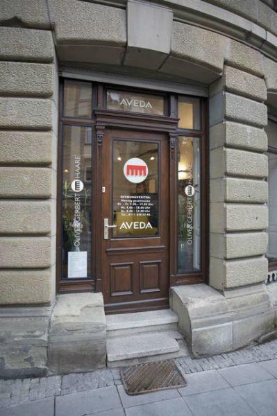 Beispiel: Außenansicht des Friseursalons, Foto: Oliver Gerbert Haare.