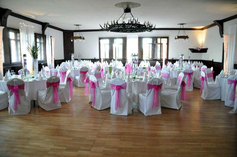 Beispiel: Hochzeitsbankett - Tanzfläche, Foto: Burgrestaurant Burg Gleiberg.