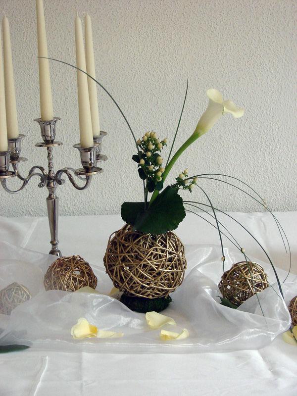 Beispiel: Florale Tischdekoration, Foto: Gärtnerei und Floristik Stephan.