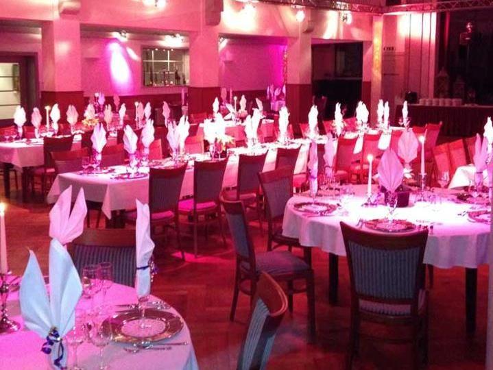 Beispiel: Festtagstafel, Foto: Hotel zur Treene.