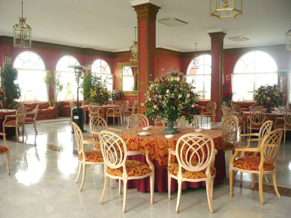Zona porche cubierta del Salón Versalles. Hacienda Azahares