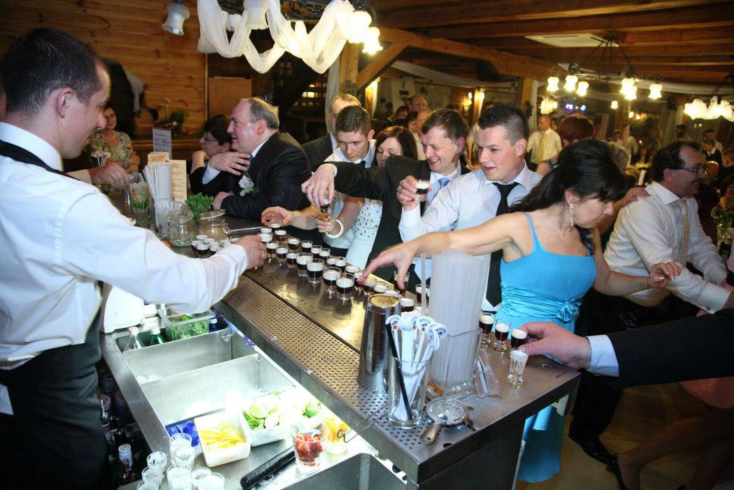 Barman Team na weselu