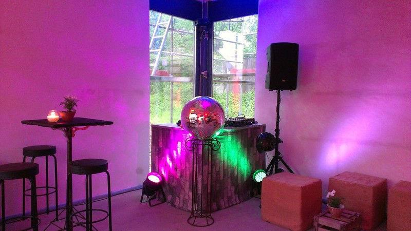 Beispiel: Ton- und Lichttechnik, Foto: DJ FloRyan.