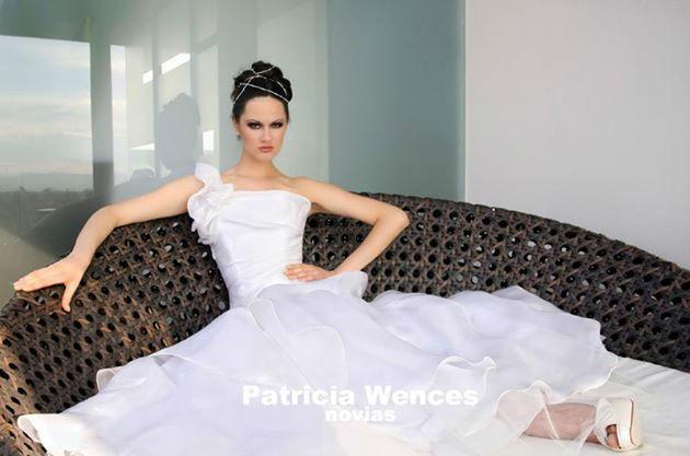 Vestido en doble organza de seda italiana. www.patriciawences.com.mx