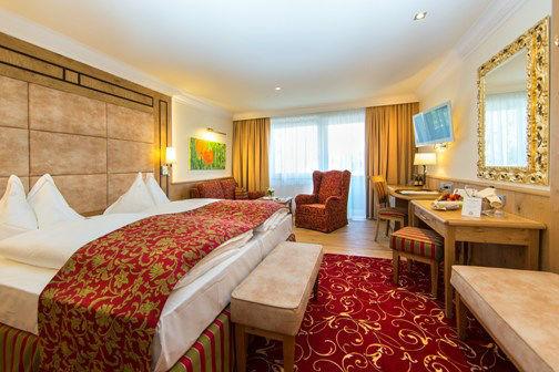 Beispiel: Doppelzimmer, Foto: Hotel Hubertushof Anif.