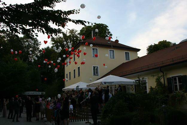 Beispiel: Außenansicht - Hochzeitsfeier, Foto: Restaurant Hirschau.