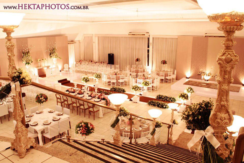 Buffet Imperial. Foto: Hektaphotos