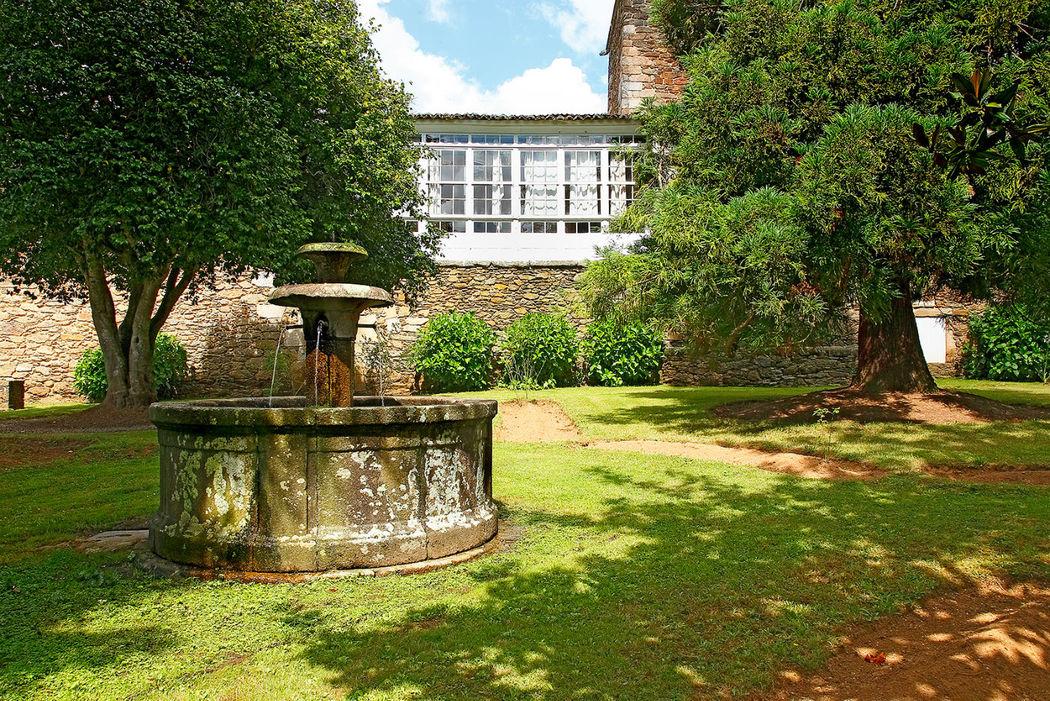 Fuente barroca en los antiguos jardines del Pazo