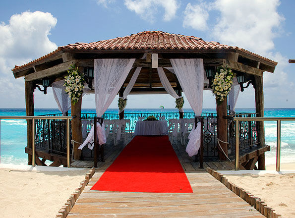 Boda destino en la playa de Cancún en hoteles Real Resorts