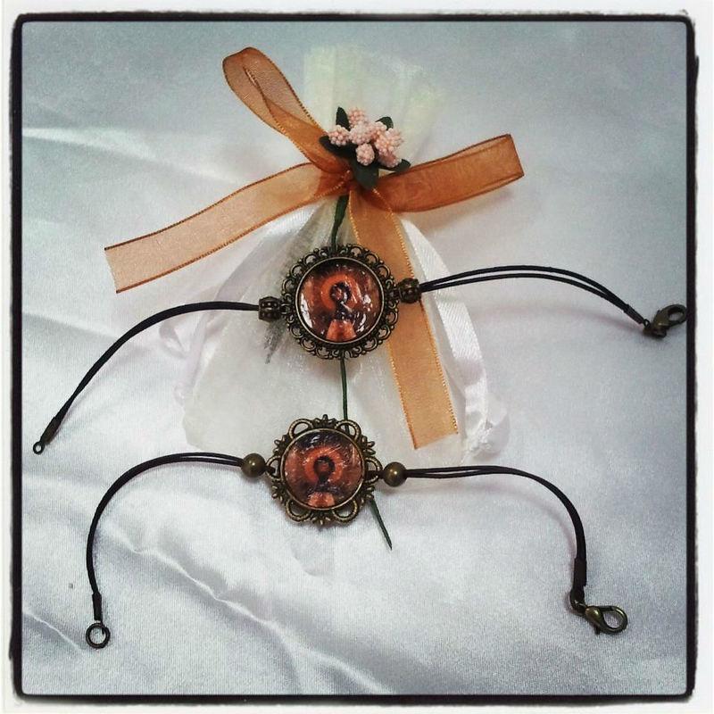 Detalles Lacuey. Pulseras únicas, hechas a mano, de la Virgen del Pilar.
