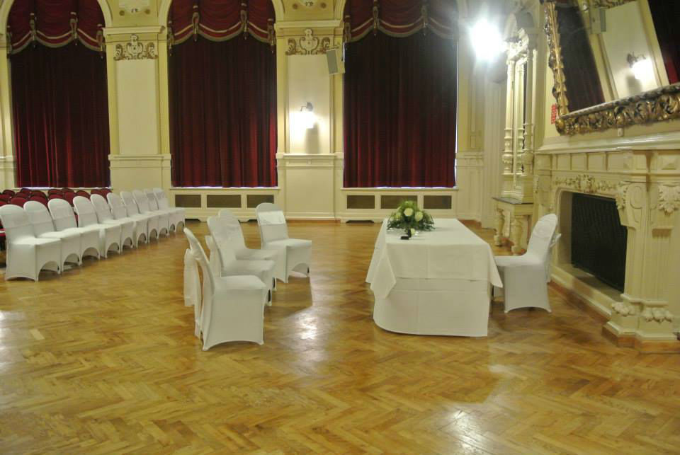 Beispiel: Vermietung von Mobiliar und Tischwäsche, Foto: Fest & Gast Catering.