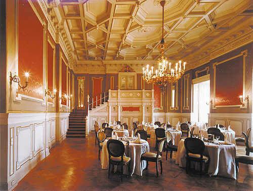 Beispiel: Roter Saal, Foto: Schloss Wolfsberg.