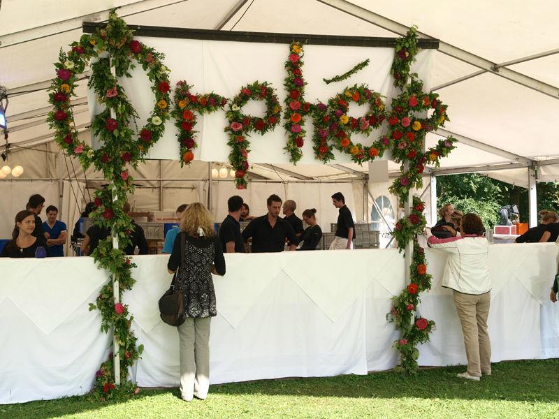 Beispiel: Blumendekoration, Foto: Orphée.