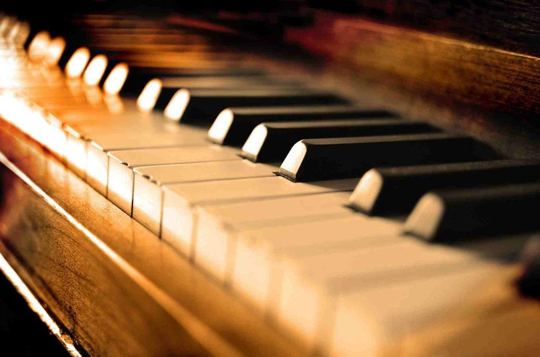 Beispiel: Piano, Voice & Piano.