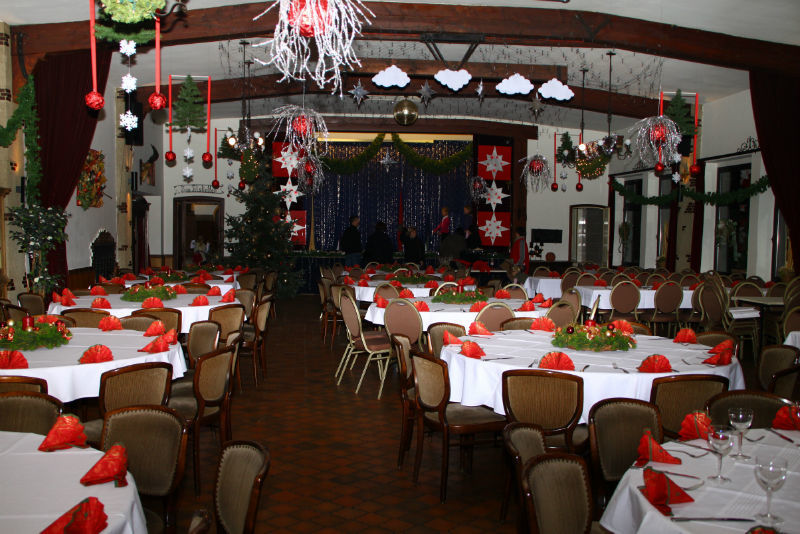 Beispiel: Festlich geschmückter Saal, Foto: Gasthof Loers.