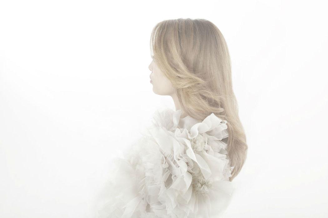 Beaumenay Joannet Paris - robe de mariée, cape fleurs