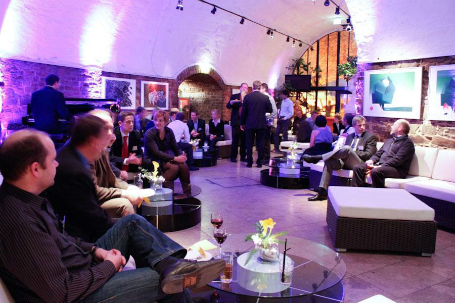 Beispiel: Mietmobiliar im Café, Foto: Moritzbastei.