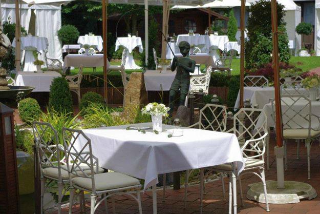 Beispiel: Terrasse, Foto: Landhaus-Hotel Waitz.