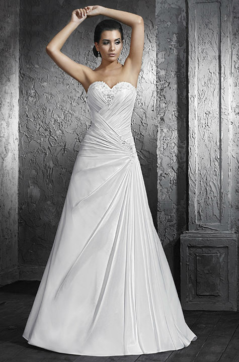 Beispiel: Brautkleider zum Wohlfühlen, Foto: Hänsel & Gretel.