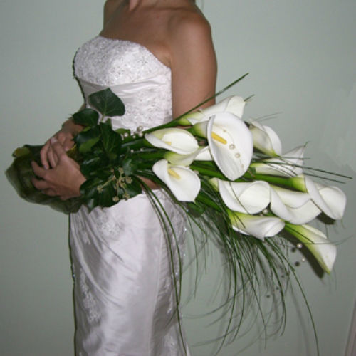 Beispiel: Einzigartige Brautsträuße, Foto: Blumen Beilner.