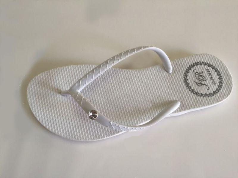 Chinelo Clássico Branco com Tira Branca