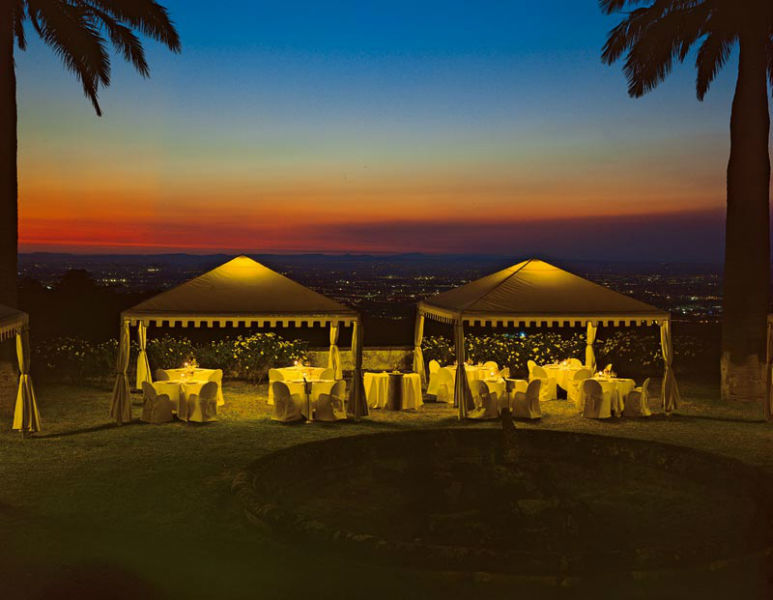 Park Hotel Villa Grazioli: Giardino pensile di sera