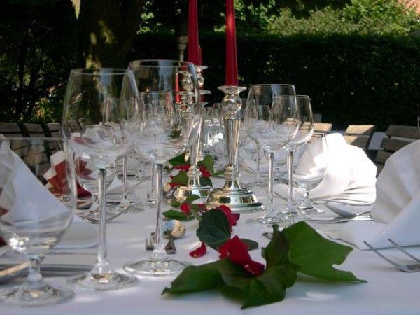 Beispiel: Tischdekoration zur Hochzeit, Foto: Antik-Hof Bissee.