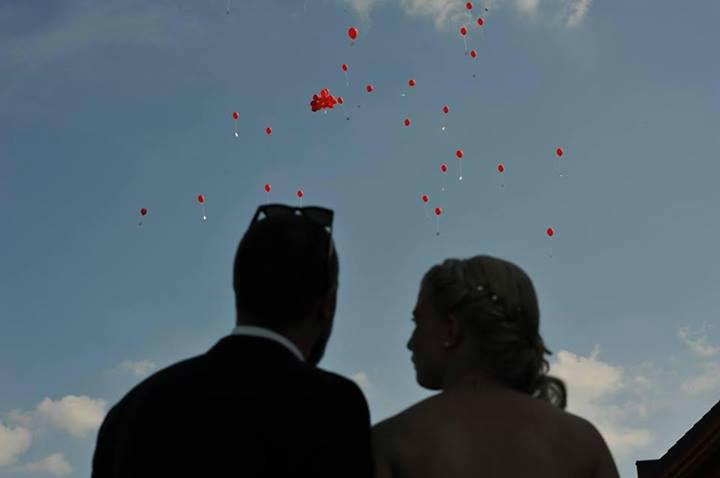 Beispiel: Brautpaar, Foto: Alternativhochzeit.