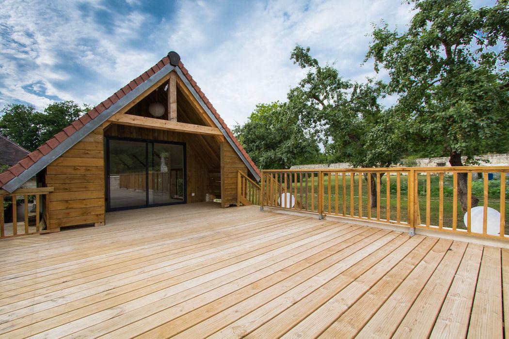 La Petite Maison avec sa terrasse en bois, idéale pour les enfants ...